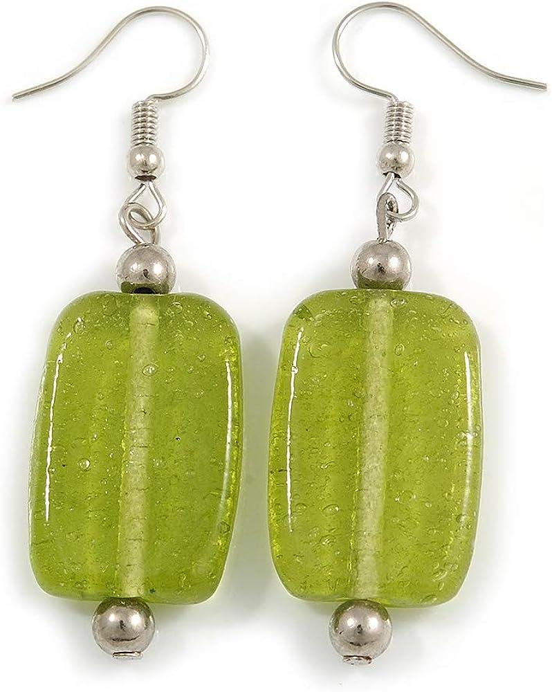 Pendientes cuadrados de cristal verde lima en tono plateado – 55 mm de largo