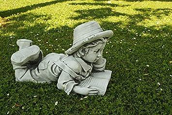 Figura Decorativa De Nino Leyendo En Piedra Para El Jardin Exterior