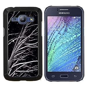 LECELL--Funda protectora / Cubierta / Piel For Samsung Galaxy J1 J100 -- Negro Blanco Noche Nieve --