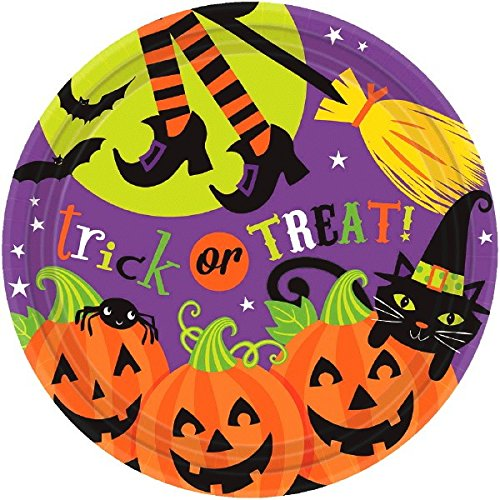 (Witch's Halloween Trick Or Treat Crew Disposable Round Dinner Paper Plates, 10