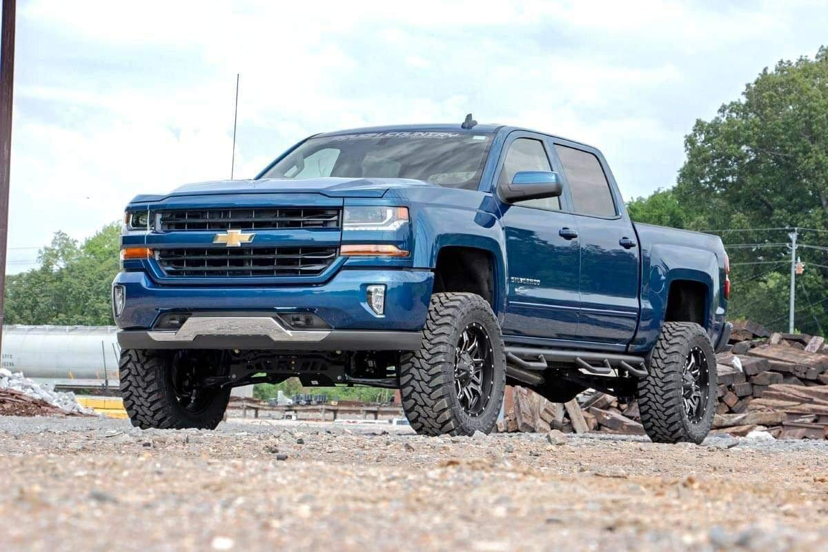 2014 Chevy Silverado Lifted >> Amazon Com Rough Country 7in Lift Kit W Strut Spacers 2014