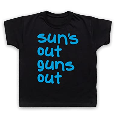 02d95b41c Sun's Out Guns Out Gym Slogan Kids T-Shirt: Amazon.co.uk: Clothing