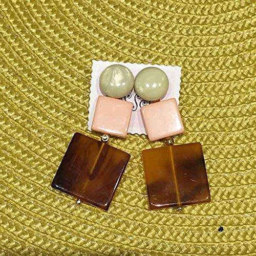 Amazon.co.jp: Casselini キャセリーニ squareプレートピアス 166-110107 PINK F: 服&ファッション小物