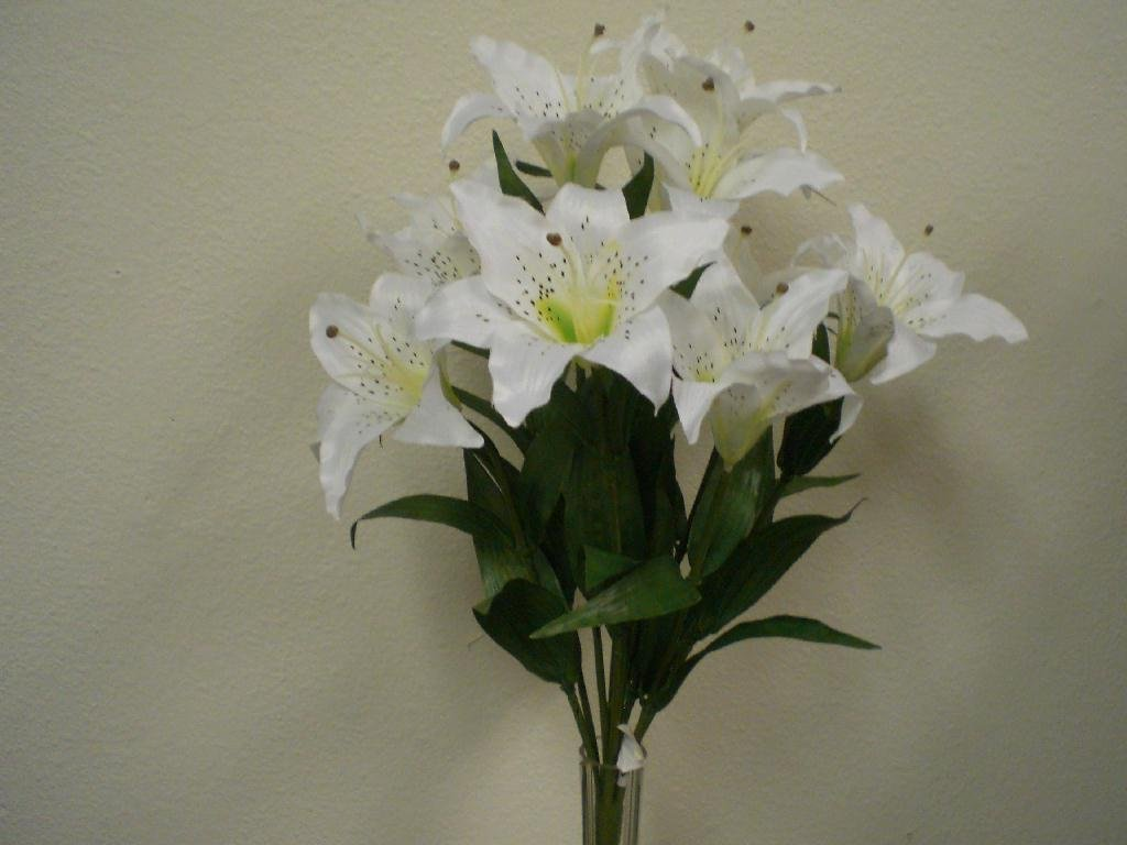 Amazon 1 x white large tiger lily 9 silk flowers bush bouquet amazon 1 x white large tiger lily 9 silk flowers bush bouquet artificial home kitchen izmirmasajfo Image collections