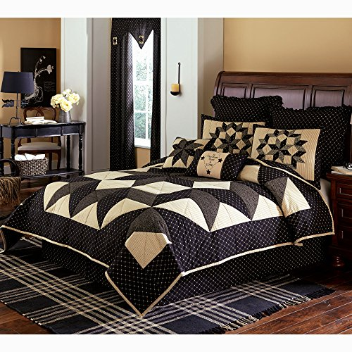 Park Designs Carrington Queen Quilt Bundle - 3 Piece Set. Set Contents: 1 Queen Quilt, 2 Standard Shams