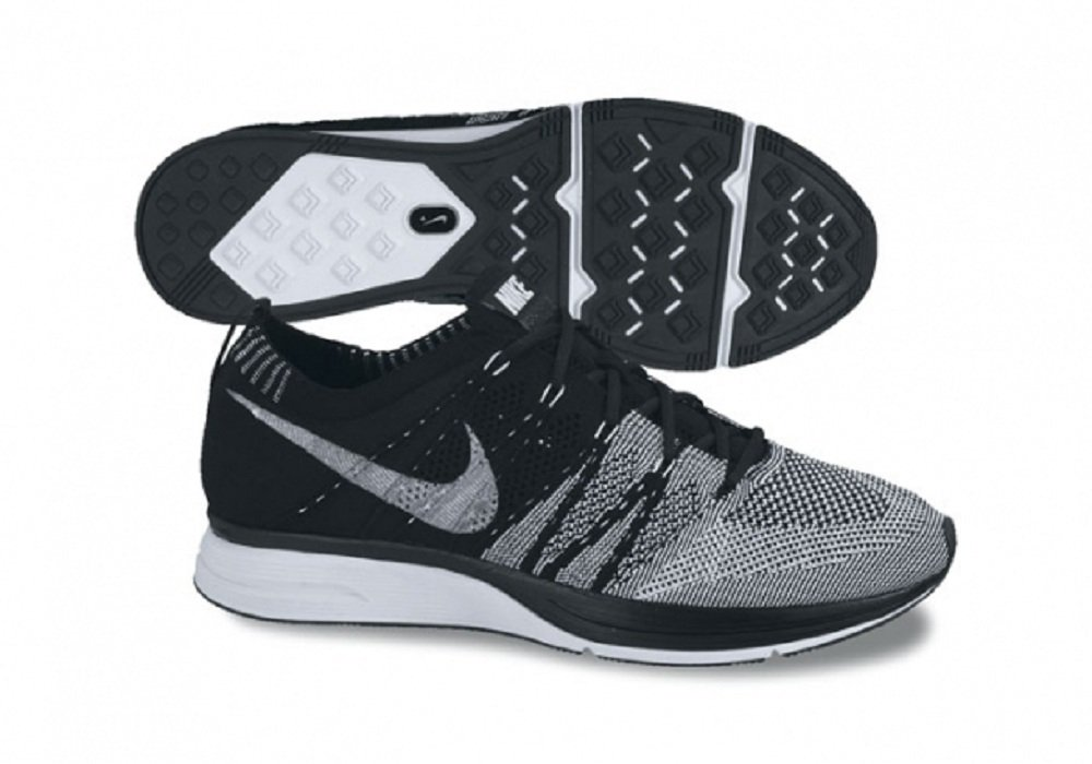 timeless design 0f09f b8d5c Nike Flyknit Trainer + Black & White - UK Size 7.5 (EUR 42) - Running Shoes/ Trainers: Amazon.co.uk: Sports & Outdoors