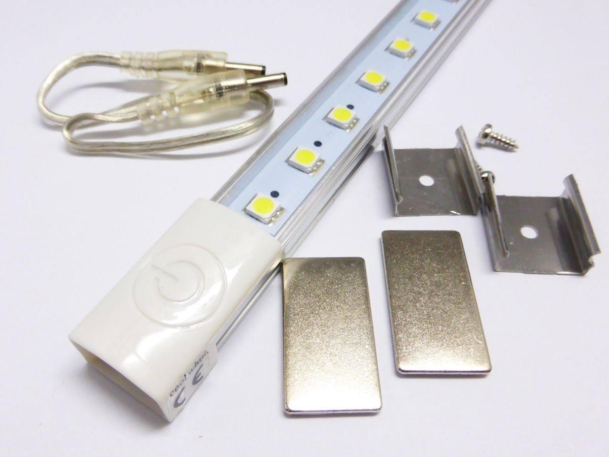 Disegno luce sottopensile cucina : BARRA LED 60CM LUCE 6000K TRASPARENTE SOTTO PENSILE 12V CUCINA ...