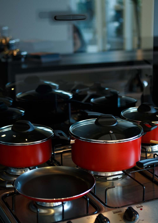 BRINOX 7000//106 7 Piece Garlic Collection Cookware Set Gray 115 oz