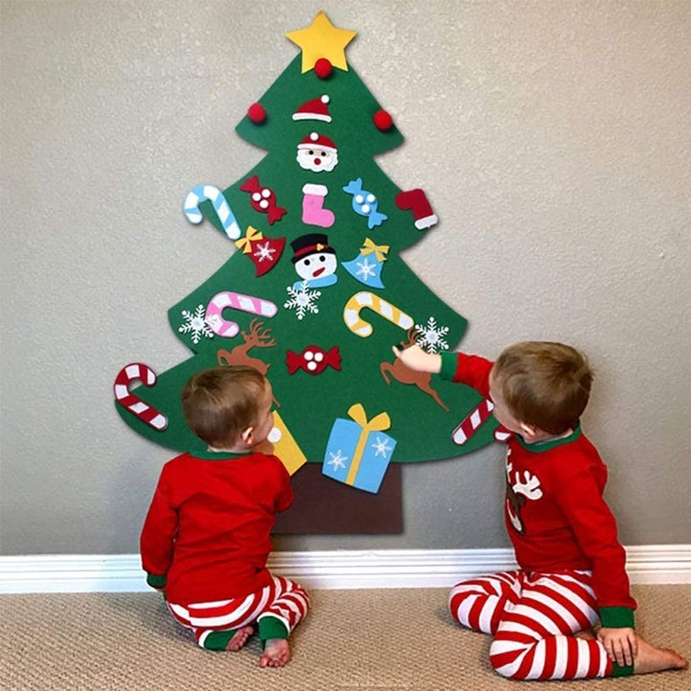 Amazon.com: B bangcool DIY Felt Christmas Tree with 26Pcs Xmas Ornaments  3.2ft DIY Christmas Tree Wall Hanging Xmas Gifts Christmas Decorations:  Home & Kitchen