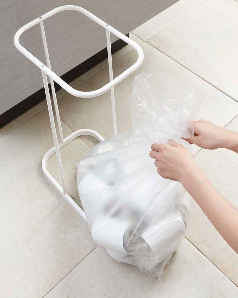 ゴミ箱の汚れやニオイ防止にも! 1つの袋に最大限入れられるゴミ袋ホルダー