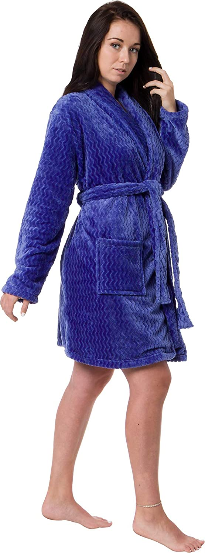 feaffa10f5 ... Silver Lilly Womens Embossed Robe - Plush Fleece Chevron Coral Textured  Short Kimono Bathrobe ...