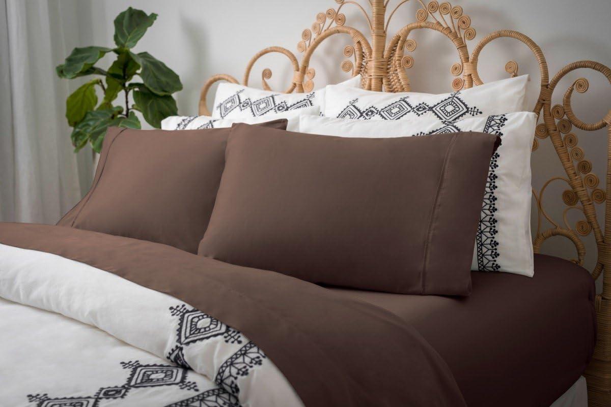 Magnolia Organics Dream Collection Pillowcase Pair - King, Chocolate
