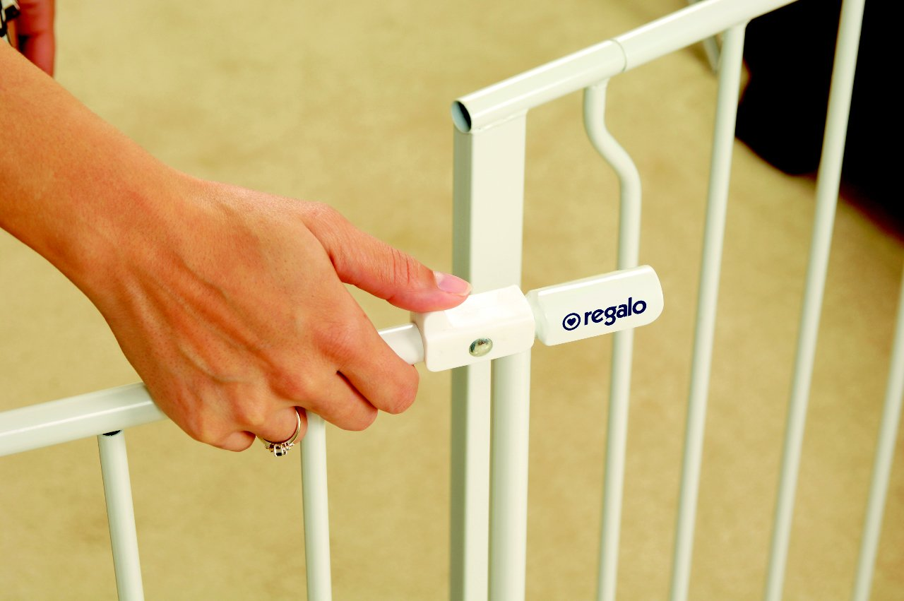 amazoncom regalo easy open 50 inch wide baby gate pressure mount with 2 included extension kits indoor safety gates baby
