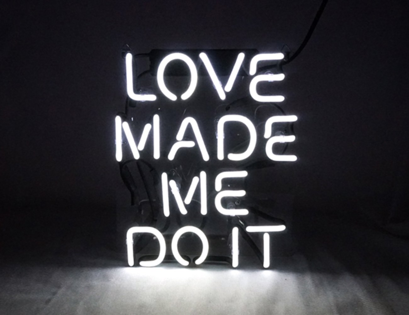 Love Made Me Doit Cool Glass Neon sign Led Lamp Night Light Display Gift 8.7'' x 10.2'' for Home Decoration Beer Pub Hotel Beach Recreational Game Room