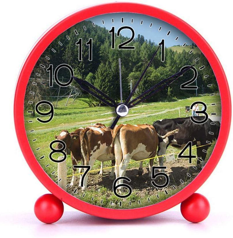 Bleu Vaches Suisse GIRLSIGHT Horloge de r/éveil Couleur Mignon Rond m/étal Bureau Horloge Portable horloges avec veilleuse d/écorations de Maison -125 Montagne