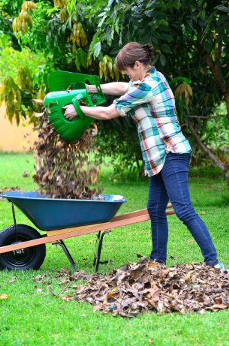 Large handheld rakes for fast leaf removal