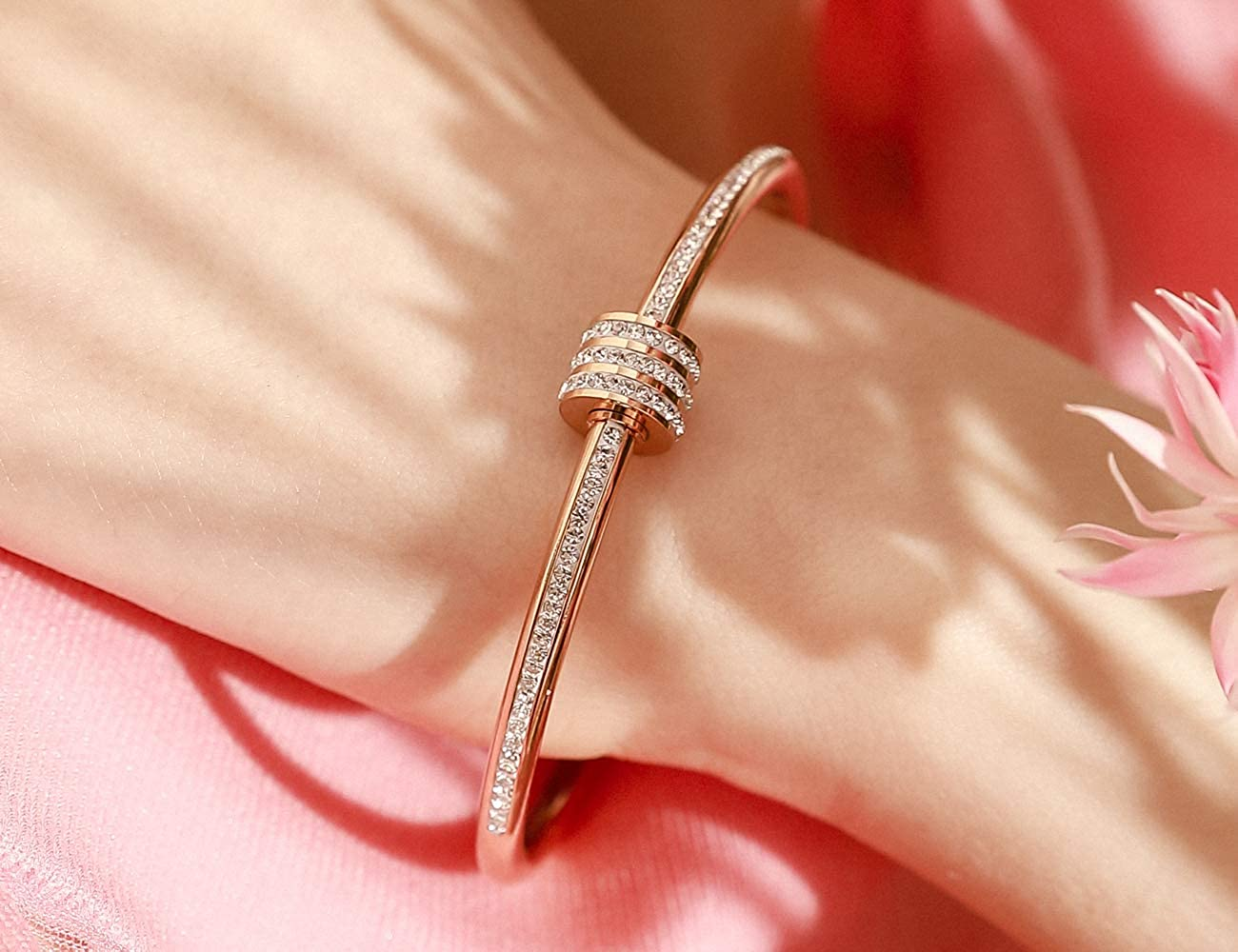 QANCI Gold Bangle Bracelet for Women Cylindrical