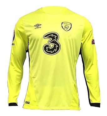 2c16ef77e68 Kids Ireland Soccer Home Goalkeeper Jersey  Amazon.co.uk  Clothing