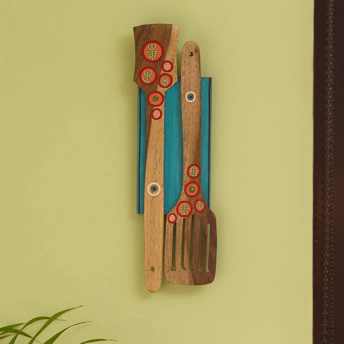ExclusiveLane 'Desert Spatulas' Hand-Painted Wall Décor Hanging in Mango & Pine Wood - Kitchen Wall Hanging Décor for Living Room Bedroom Home Decoration Wall Decoration Items Wall Decore Home Décor