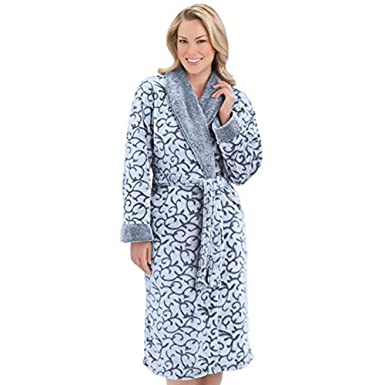 bb1978d1aa Ezi Women s Jacquard Luxury Fleece Terry Robe by at Amazon Women s Clothing  store