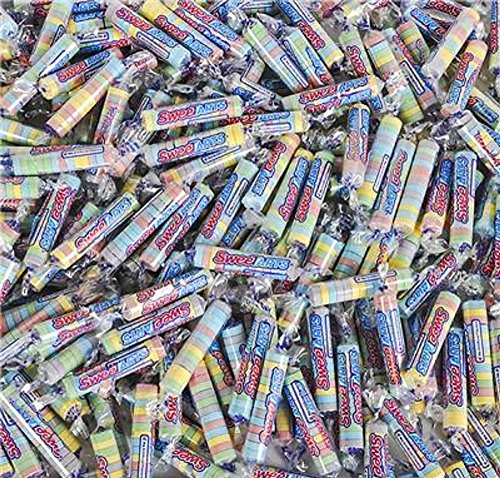 1690 Costume (Sweetarts Twist Roll, Multicolored. 1,690 pieces.)