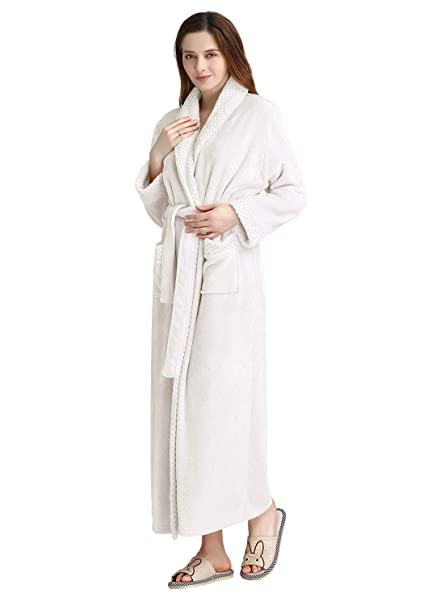 dae93be811 PUTUO Womens Luxury Soft Fleece Dressing Gown Ladies Bathrobe Full Long  Fluffy Nightwear Housecoat Robe  Amazon.co.uk  Clothing