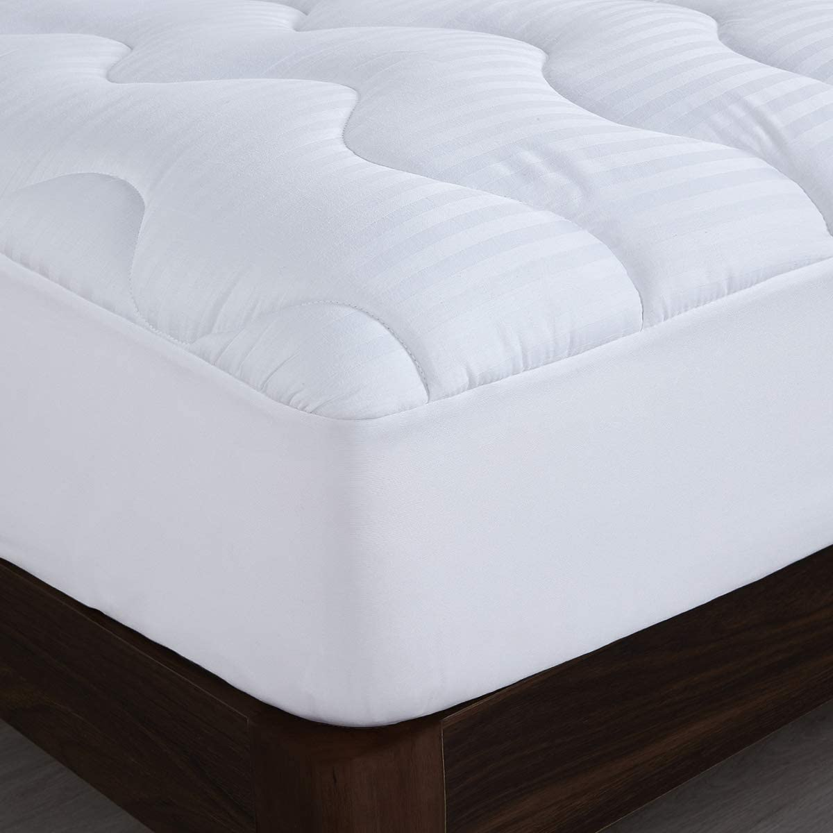 """HOMBYS Thick Quilted 500GSM Cotton Mattress Pad Cover, Queen Pillow Top Mattress Topper Stripe Design, 8-21"""" Deep Pocket with Down Alternative Fill"""