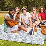 AMMSUN Extra Large Picnic & Beach Blanket Handy Mat Plus Thick Dual Layers Sandproof Waterproof Padding Portable for The Family, Friends, Kids