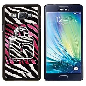KLONGSHOP // Cubierta de piel con cierre a presión Shell trasero duro de goma Protección Caso - Zebra Rosa Blanco Negro Cita texto - Samsung Galaxy A7 A7000 //