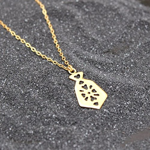 handmade-designer-delicate-flower-gold-necklace