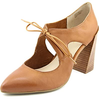 Dole Women Pointed Toe Leather Bootie
