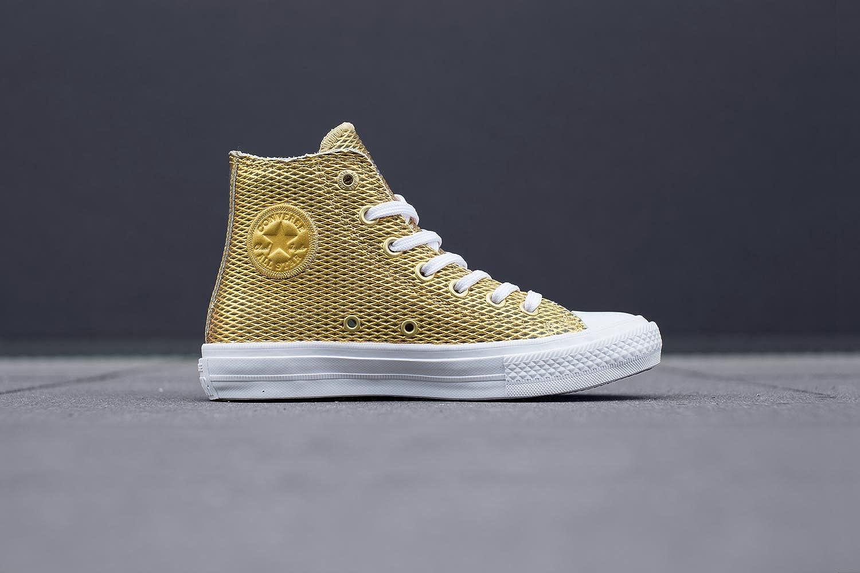 M Medium // 7.5 B US Chuck Taylor All Star Hi Gold//White//White