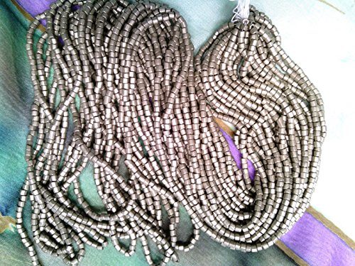 VTG 1 Hank Matte Silver ''TIN CAN'' 2 Cut 10/0 Glass BEADS Jewelry #031912t