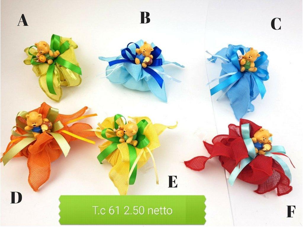 24X TUTTO COMPRESO  Orsetto BOY resina (NASCITA, BATTESIMO, COMPLEANNO) + Sacchetto + Nastrino + 5 Confetti Mandorla + Lettera portabigliettino (B)