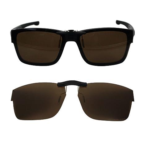 cdd3e17b450 Custom Polarized Clip on Sunglasses For Oakley Splinter 54 OX8077 54-18-137  (Brown) - - Amazon.com