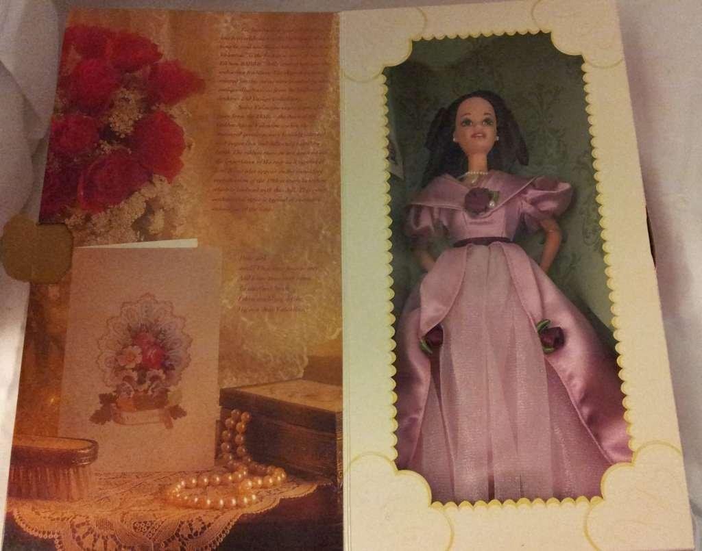Barbie 36749 1995 Hallmark Sweet Valentine Doll