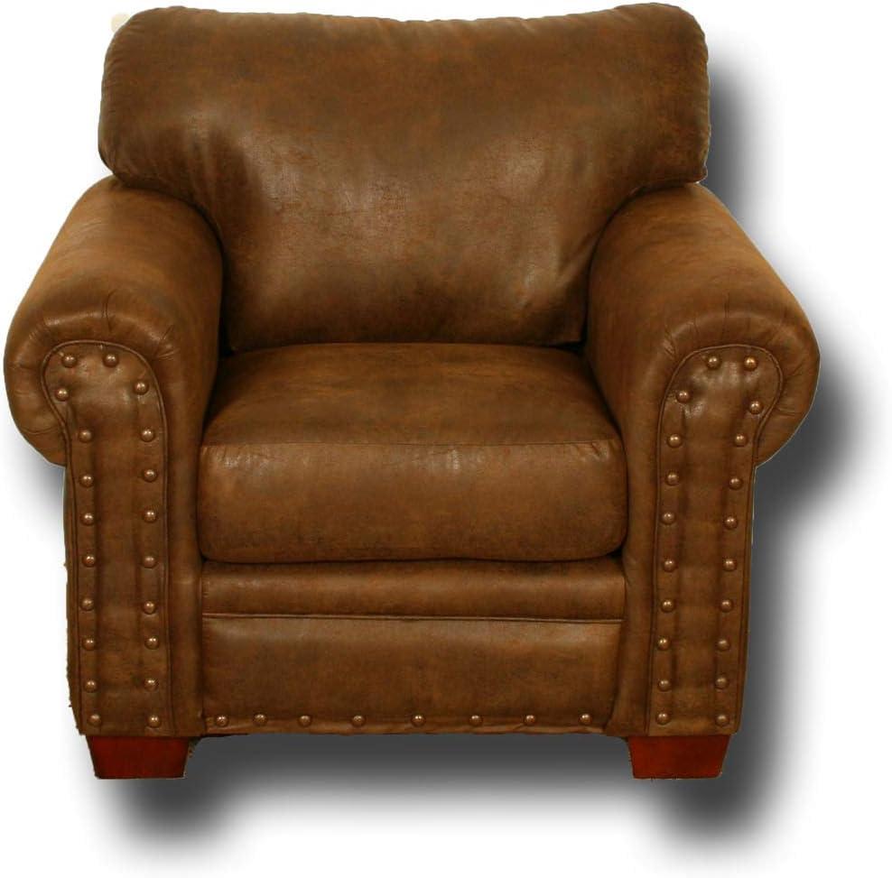 American Furniture Classics Model Buckskin arm chair, Pinto Brown