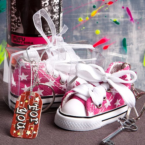 Oh-so-cute pink star print baby sneaker key chain, 1