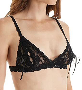 be0236332cd Hanky Panky Women s Signature Lace Peek-a-Boo Bralette 487831 Black Bra SM
