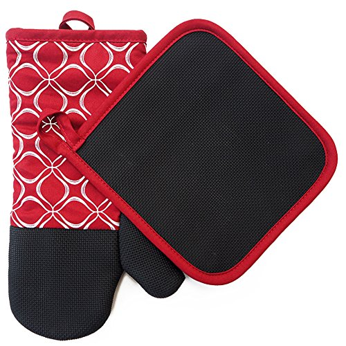 Medley Wall Hanging (Shaped Oven Mitts and Pot Holders for Kitchen Set With Cotton Neoprene Silicone Non-Slip Grip,Heat Resistant, Set of 2 Oven Gloves for BBQ Cooking Baking, Grilling, Machine Washable (Red Neoprene))