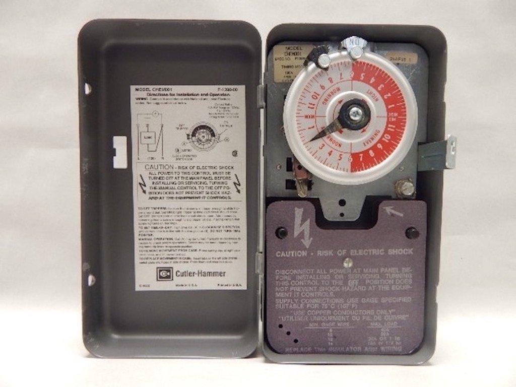 Cutler Hammer CHEM001 SPST Metal TIME Clock 24 Hour 40 AMP 120 Volt by Eaton Cutler-Hammer