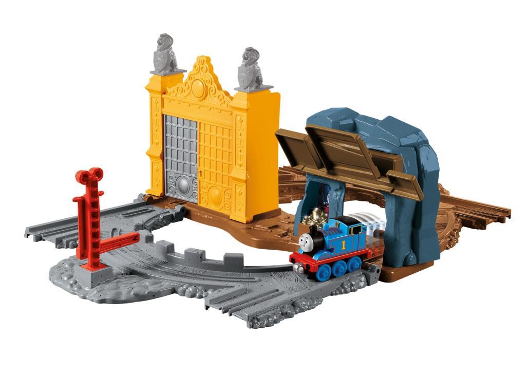 thomas the train take and play tracks