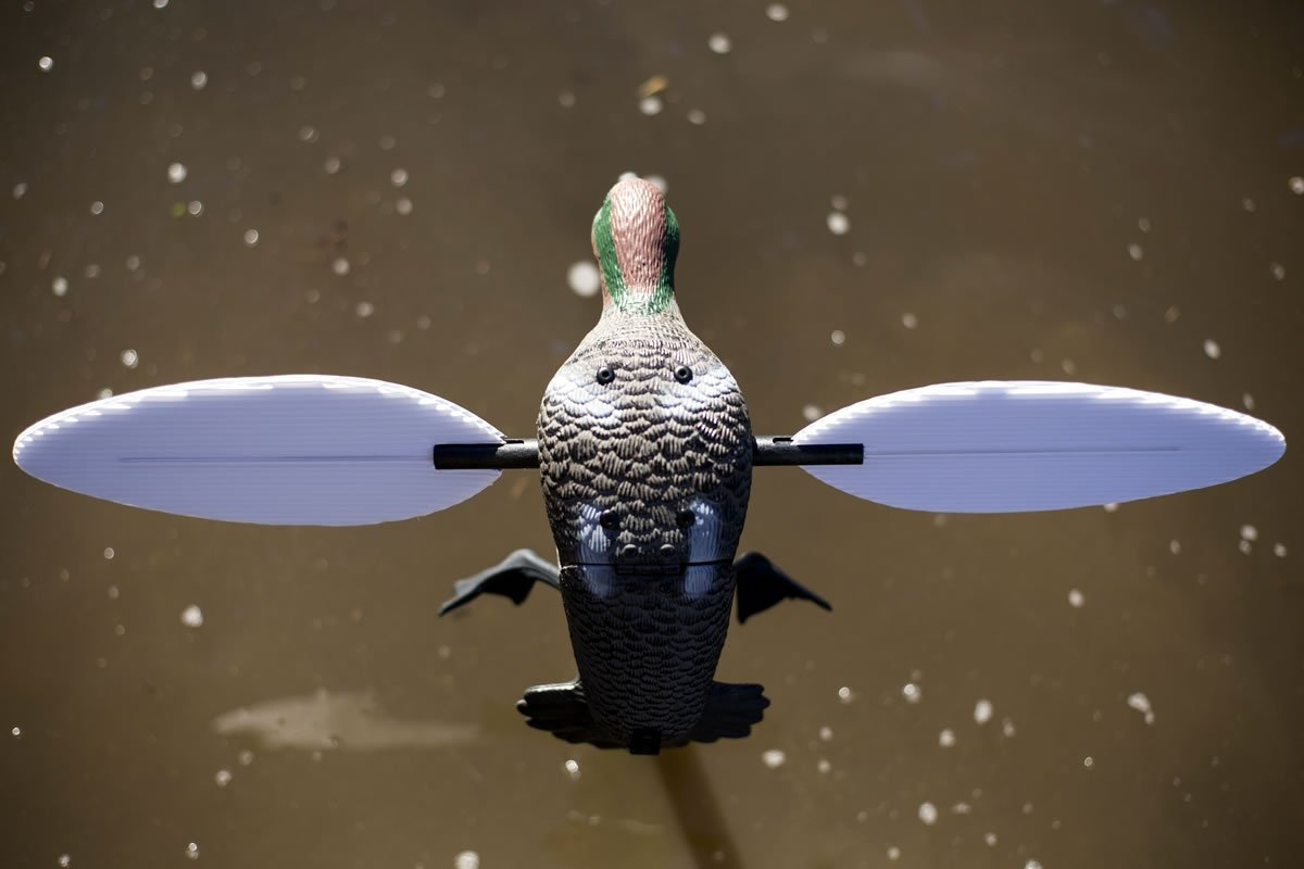 MOJO Outdoors Green Wing Teal Motion Duck Decoy by MOJO Outdoors (Image #5)