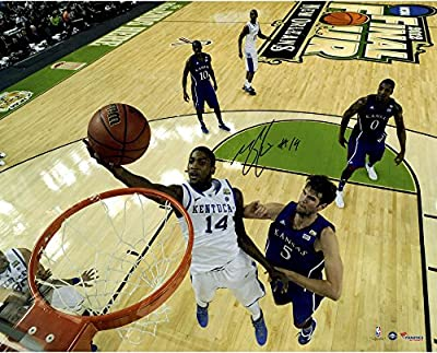 "Michael Kidd-Gilchrist Kentucky Wildcats Autographed 16"" x 20"" Lay-Up Photograph - Fanatics Authentic Certified"