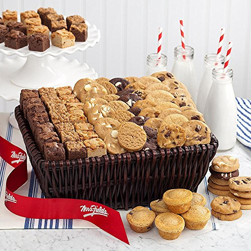 Shari's Berries - Mrs. Fields� Classics, Large - 1 Count - Gourmet Baked Good Gifts