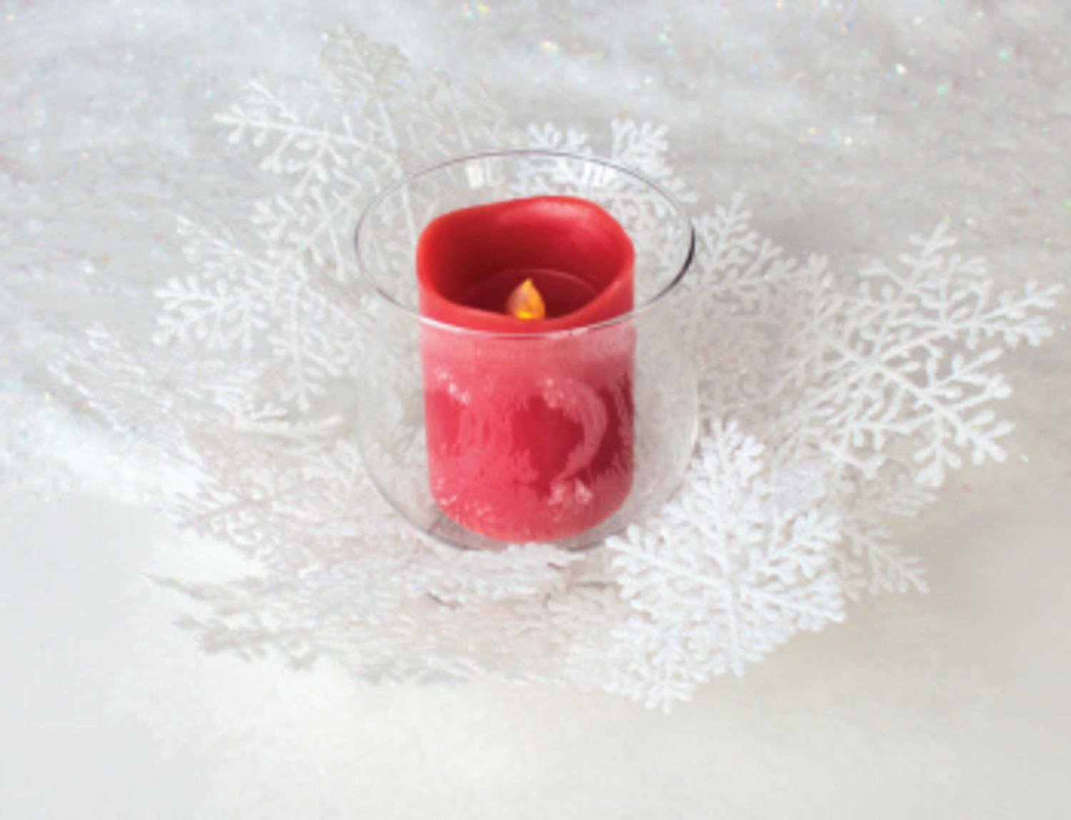 Winter Solace White Christmas Glass Snowflake Ring Pillar Candle Holder