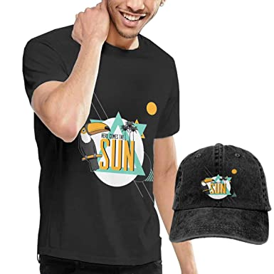 ff5e84361d9e Amazon.com  CHUNT Here Comes The Sun Interesting Unisex Short Sleeve T-Shirt  and Cowboy Hat Black  Clothing