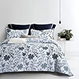 Wake In Cloud - 3pcs Floral Quilt Set, Reversible with White and Bluish Dark Gray Grey, Vintage Flowers Pattern Printed, Soft Microfiber Bedspread Coverlet Bedding (Queen Size)