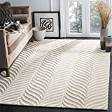 Safavieh Bella Collection BEL135A Handmade Sand and Ivory Premium Wool Area Rug (8′ x 10′) Review
