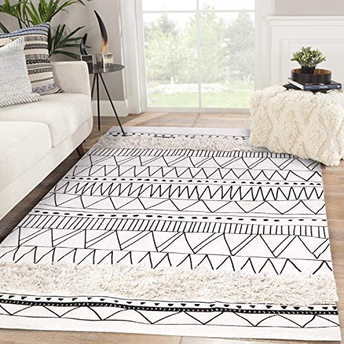 Tufted Cotton Area Rug 4' x 6'